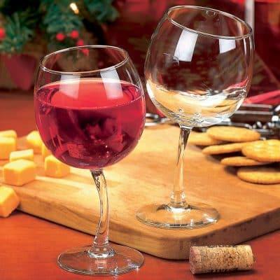 Tipsy Wine Glasses Set