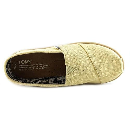 TOMS Original Canvas Classics. Back to school outfits for kids.