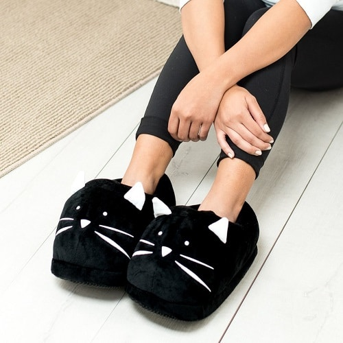 Kitty Plush Slippers | Mothers Day gifts for grandma