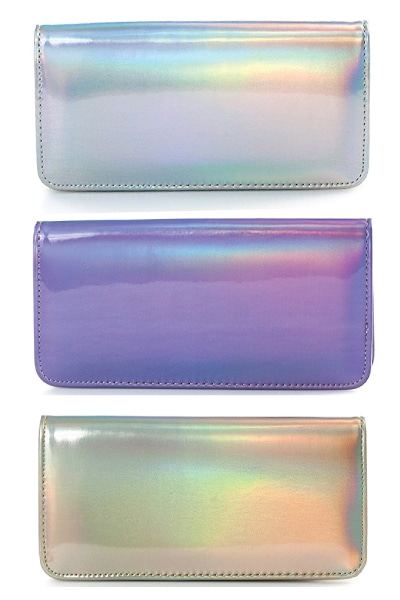Holographic Wallet. Unicorn outfit ideas for wannabe unicorns