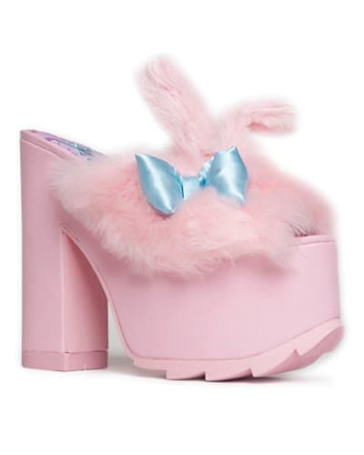 Pink Fluffy Slip On Wedge Sandal. Cute outfits for girls. Unicorn outfit ideas.