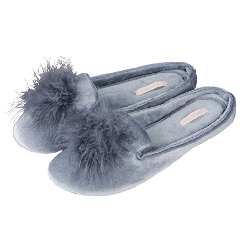 Pom Pom Home Slipper. Mom gifts for Christmas holiday.