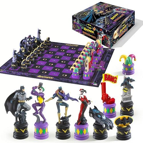Batman v Joker The Chess Set