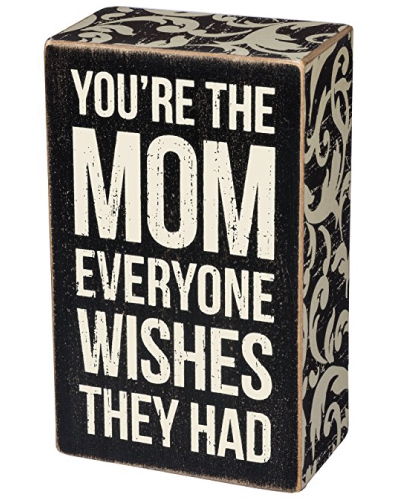 The Mom Box Sign