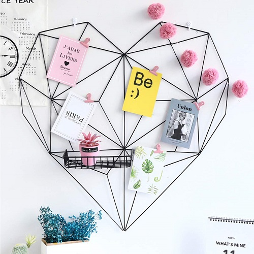 Heart Wall Grid Hanging Display